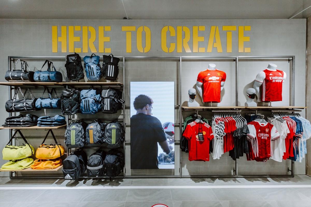 Adidas Ioi City Mall 1